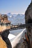 De piek van de voetgangersbrug op Aiguille du Midi Stock Foto's