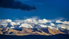 De piek van Naimona-nyi, zet Gurla Mandhata, Memorandum Nani, Tibet op royalty-vrije stock afbeelding