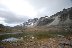 De pieken en de bergen van de sneeuw in Peru Royalty-vrije Stock Foto's