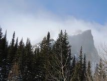 De pieken van Colorado met sneeuw het blazen stock afbeelding