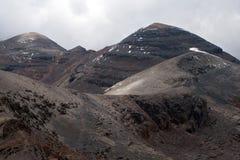 De pieken van de berg op Chacaltaya stock fotografie