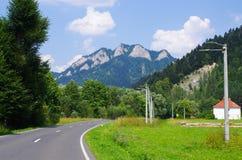 De pieken van Trzykorony in Pieniny-bergen Stock Fotografie