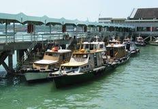 De Pier van boten @ Royalty-vrije Stock Afbeelding