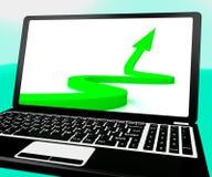 De pijl die op Laptop benadrukken toont Verbetering en Succes royalty-vrije illustratie