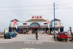 De pijler Devon England het UK van vakantiegangersteignmouth stock foto