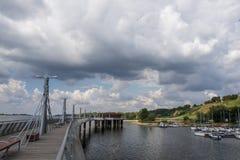 De pijler in Plock op de Vistula-rivier, Polen Royalty-vrije Stock Fotografie