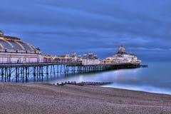 De pijler van Eastbourne bij nacht royalty-vrije stock fotografie