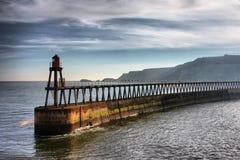 De Pijler van het Oosten van de haven van Whitby Stock Foto