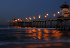 De Pijler van het Strand van Huntington bij zonsopgang royalty-vrije stock foto's