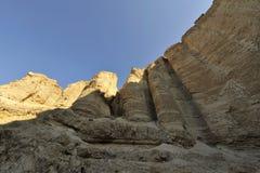 De pijlers van de steen in woestijn Judea. royalty-vrije stock afbeelding