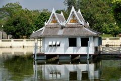 De Pijn van de klap, Thailand: Het Botenhuis van Royal Palace Stock Foto