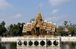 De Pijn van de klap, Thailand: Het Paviljoen van Royal Palace Stock Afbeeldingen