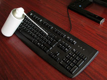 De pijp van de nevel met toetsenbord Stock Afbeelding
