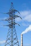De pijp van de pyloon en van de fabriek Royalty-vrije Stock Foto's