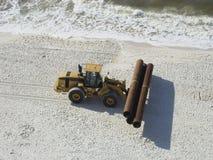 De pijpen van de bouw - strand Stock Foto's