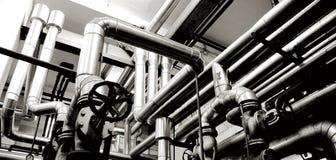 De pijpen van de industrie en de industriesystemen Royalty-vrije Stock Fotografie