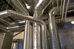 De pijpen van de ventilatie van een luchtvoorwaarde Royalty-vrije Stock Fotografie
