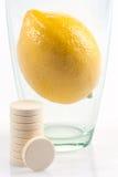 De pillen van de vitamine stock foto's