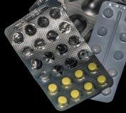 De pillen zijn op de lijst royalty-vrije stock foto