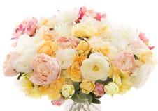 De pioen van het bloemenboeket, witte achtergrond van pastelkleur de bloemenkleuren Stock Afbeeldingen