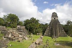 De Piramide en de ruïnes van de jaguar royalty-vrije stock foto's