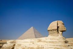 De piramide en de Sfinx. Stock Afbeeldingen