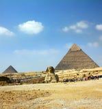 De piramide en de sfinx van Egypte stock afbeeldingen