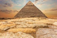 De Piramide van Chephren in Giza, zonsondergangmening royalty-vrije stock fotografie