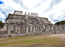 De piramide van Chichenitza, Yucatan, Mexico.Landscape in een zonnige dag Stock Fotografie