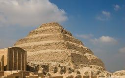 De Piramide van de stap en Funerary Royalty-vrije Stock Afbeeldingen