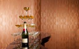 De piramide van de wijn stock foto