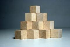 De piramide van het blok Royalty-vrije Stock Foto's