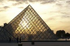 De Piramide van het Louvre, Parijs Stock Foto