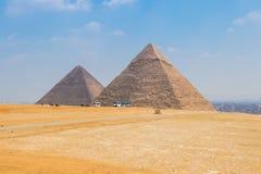 De Piramide van Khafre en Piramide van Khufu stock foto's