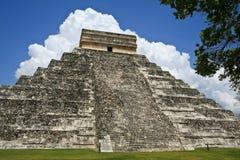 De Piramide van Kukulkan in Chichen Itza Stock Afbeeldingen