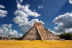De piramide van Kukulkan - Gr Castillo Stock Afbeeldingen