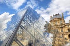 De piramide van Louvre. Parijs, Frankrijk Royalty-vrije Stock Afbeelding