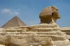 De piramide van Micerino en Sphynx stock afbeelding