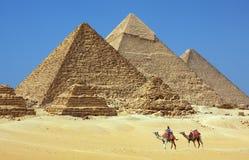 De piramides in Egypte stock foto's