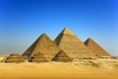 De Piramides van Giza stock afbeelding