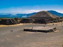 De Piramides van Teotihuacan royalty-vrije stock foto's