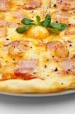 De Pizza van Carbonara Royalty-vrije Stock Afbeeldingen