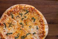 De pizza van de baksteenoven Royalty-vrije Stock Foto's