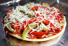De Pizza van het pitabroodje stock afbeeldingen