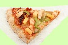 De pizza van Multigrain op servet stock foto's