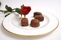 De plaat van chocolade & nam toe royalty-vrije stock afbeelding