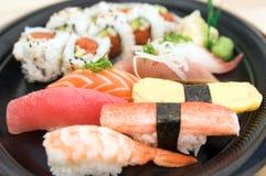 De Plaat van sushi Stock Afbeelding