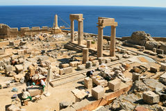 De plaats van de archeologie in Lindos (Rhodos) Royalty-vrije Stock Foto's