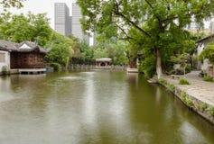 De plaats van het Taipingsmeer binnen het presidentiële paleis in Nanjing, China Royalty-vrije Stock Afbeeldingen
