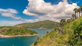 De plaats van de Timelapseobservatie op een zonnige dag in Phuket, Thailand stock video